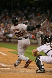 Bonds_swinging